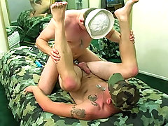 Handsome military dudes fucking and sucking good cocks
